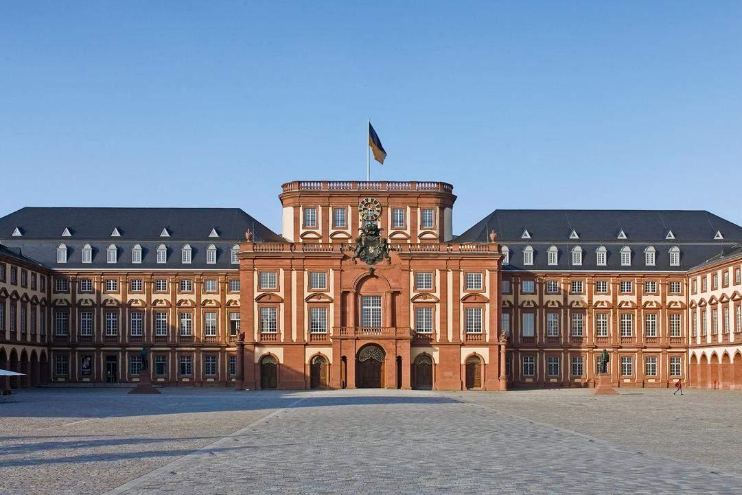 Mannheim Baroque Palace; photo: Landesmedienzentrum Baden-Württemberg, Andrea Rachele