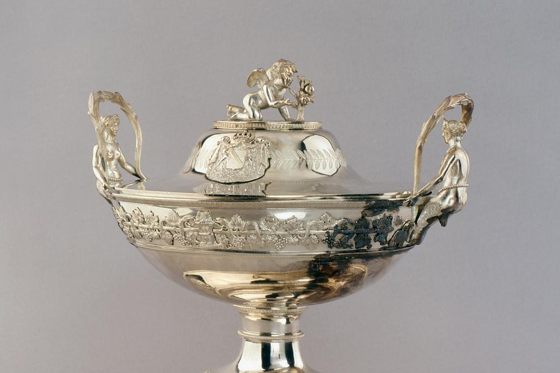Suppenterrine, Silber, von Jean-Baptiste-Claude Odiot, Paris 1823, aus dem badischen Hofsilber