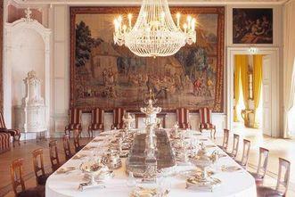 Barockschloss Mannheim, Tafel mit Hofsilber im 1. Vorzimmer; Foto: Staatliche Schlösser und Gärten Baden-Württemberg, Dirk Altenkirch