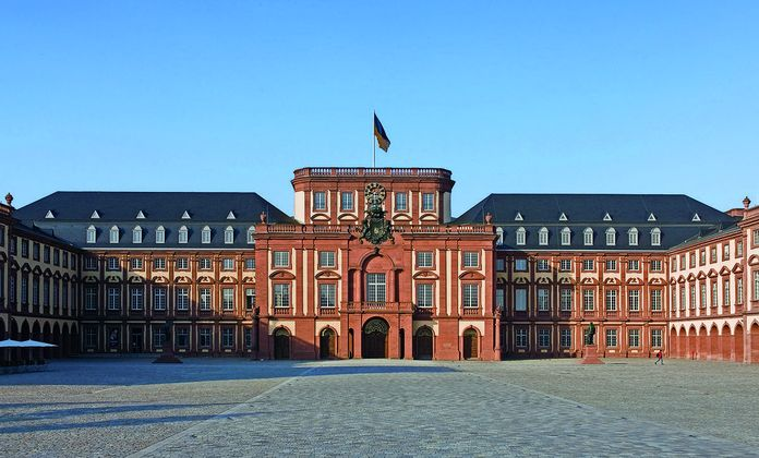 Mannheim Baroque Palace, View of the palace