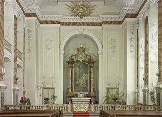Schlosskapelle Mannheim mit Deckengemälde nach Cosmas Damian Asam, neu gemalt von Carolus Vocke 1955