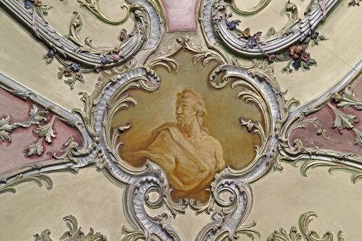 Porträtkartuschen im Bibliothekskabinett von Schloss Mannheim