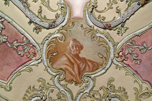 Porträtkartusche im Bibliothekskabinett von Schloss Mannheim