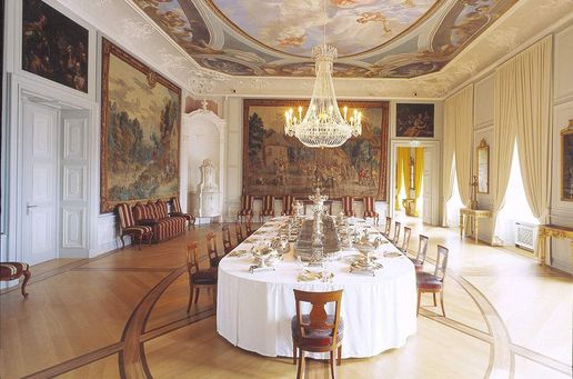 Mannheim Baroque Palace,  Ornamental silver in the antechamber