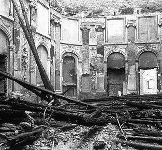 Zerstörter Rittersaal nach Luftangriffen im Zweiten Weltkrieg, Schloss Mannheim