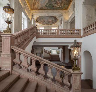 Schloss Mannheim, Treppenaufgang und Deckenmalerei im Schloss