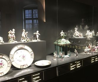 "Precious porcelain from the Frankenthal factory, now in the ""Art and Culture at the Court of Mannheim"" exhibition. Image: Staatsanzeiger für Baden-Württemberg, Petra Schaffrodt"