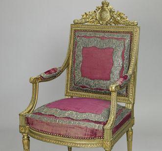 Throne in the throne room of Mannheim Palace. Image: Staatliche Schlösser und Gärten Baden-Württemberg, Arnim Weischer