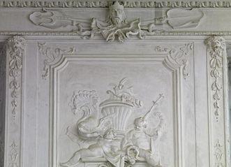 Stucco relief by Paul Egell on the main staircase of Mannheim Palace, 1728. Image: Staatliche Schlösser und Gärten Baden-Württemberg, Arnim Weischer